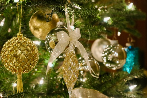 christmas-ornaments-on-tree