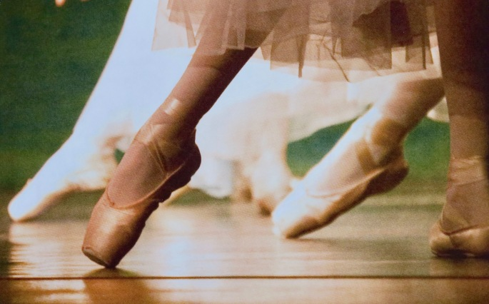 point-shoes-gr-ballet