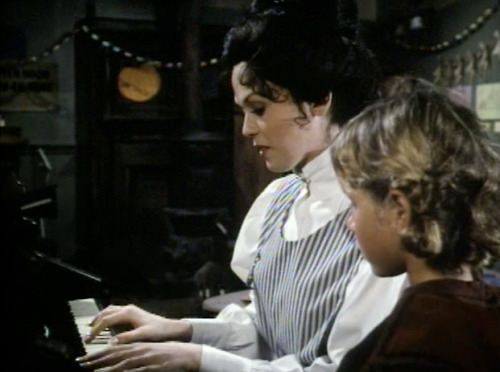 singing-at-piano-in-the-gift-of-love-1978-movie