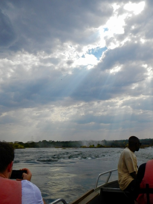 boat-ride-to-livingstone-island