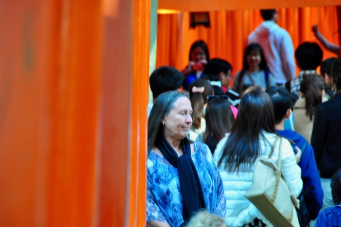 kathi-at-fushimi-inari-shrine-%e4%bc%8f%e8%a6%8b%e7%a8%b2%e8%8d%b7%e5%a4%a7%e7%a4%be-fushimi-inari-taisha-kyoto-japan