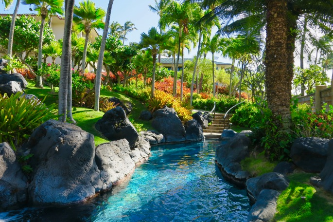 lazy-river-at-grand-hyatt-kauai-resort-and-spa