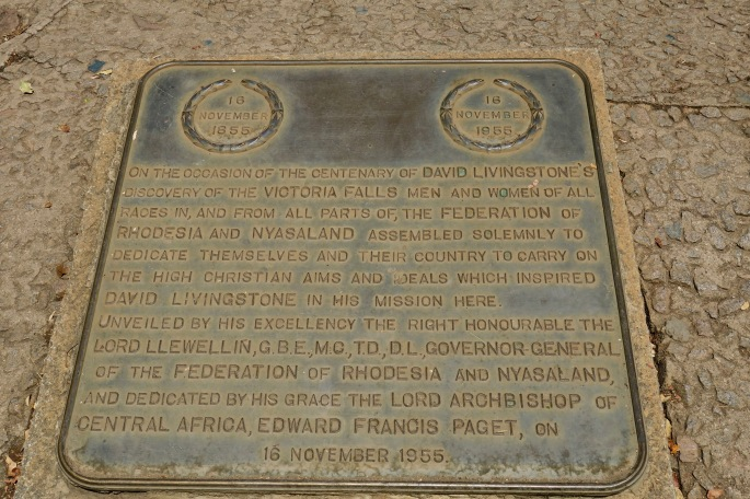 plaque-honoring-david-livingstone-on-trail-in-zambezi-national-park-zimbabwe