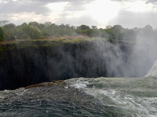 top-of-victoria-falls-at-the-devils-pool
