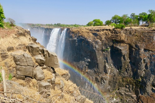 victoria-falls-as-seen-from-zambezi-national-park-zimbabwe-2