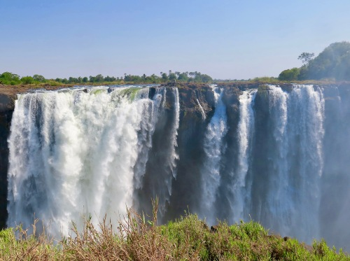 victoria-falls-as-seen-from-zambezi-national-park-zimbabwe-3