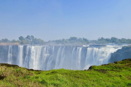 victoria-falls-as-seen-from-zambezi-national-park-zimbabwe-4