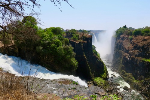 victoria-falls-as-seen-from-zambezi-national-park-zimbabwe-9