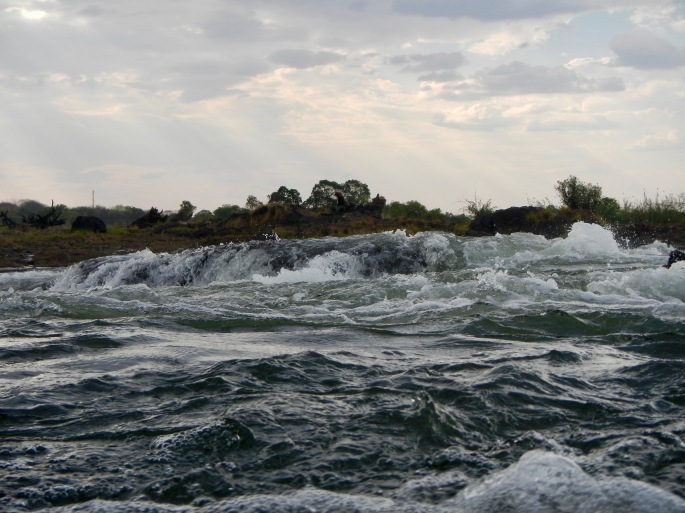 zambezi-river-on-way-to-devils-pool-victoria-falls