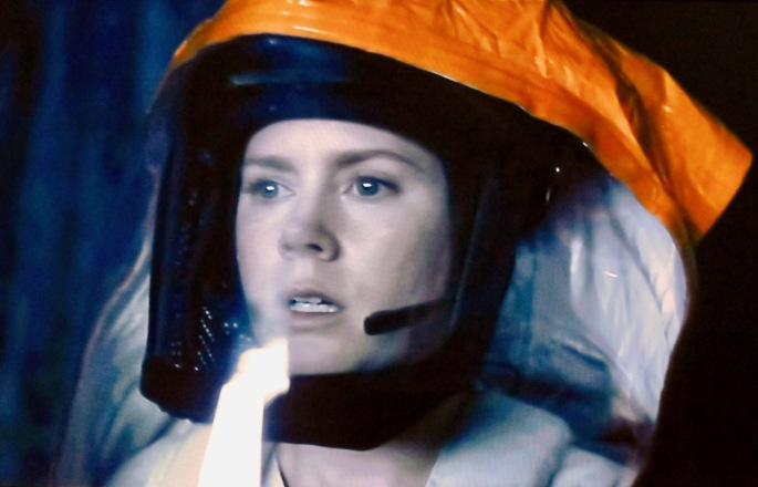 arrival-amy-adams-as-linquistics-professor