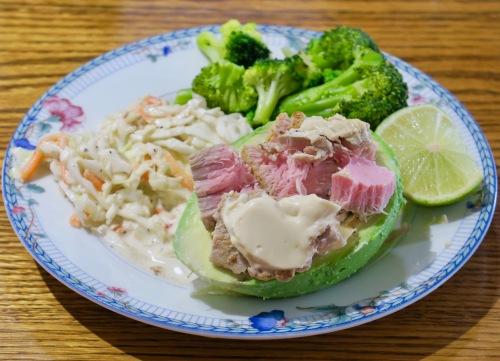 avocado-boat-with-ahi-tuna