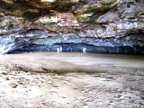 dry-cave-near-hanalie-kauai