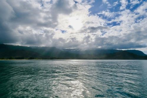 hanalei-bay-sunshine-through-clouds