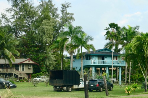 homes-built-on-stilts-hanalei-kauai