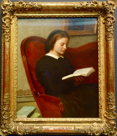 musee-dorsay-paris-looks-like-a-woman-reading-her-bible