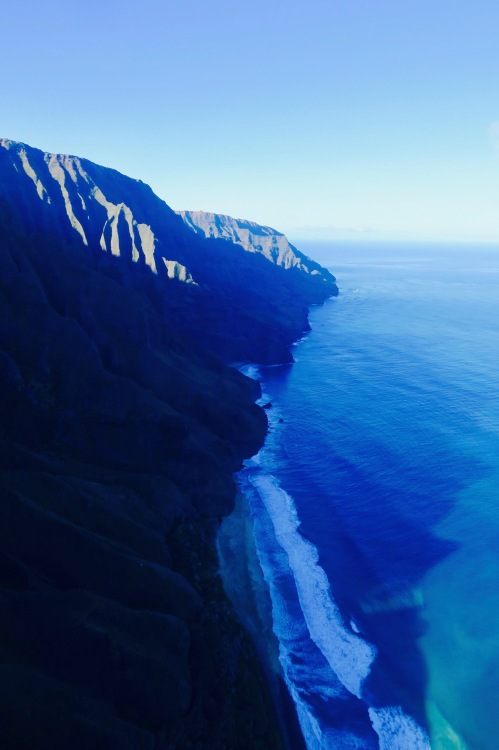 na-pali-coast-kauai-blue-hawaiian-helicopter-ride