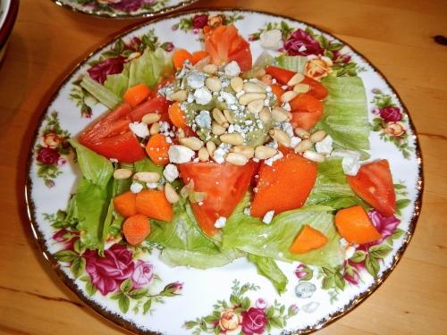 salad-pine-nuts-guacamole