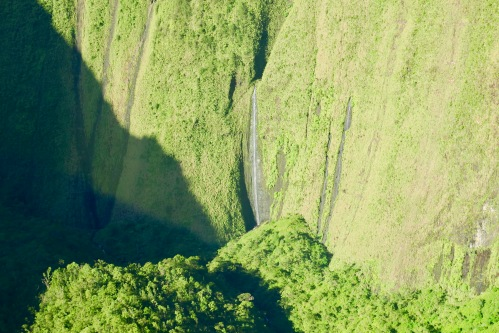 spectacular-waterfalls-in-kauai
