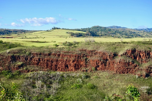 stratified-layers-of-rock-in-waimea-canyon-kauai